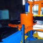 Carrousel de moulage main et table vibrante pour ½ moules jusque 900x900mm, hauteur 300mm / machines speciales Close